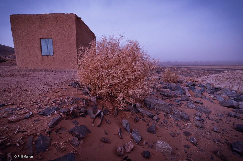 lonelyhouses25 Потрясающие дома, построенные вдали от цивилизации