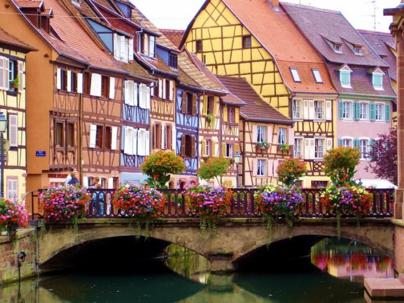п18 800x600 Удивительные крошечные города, которые кажутся нереальными