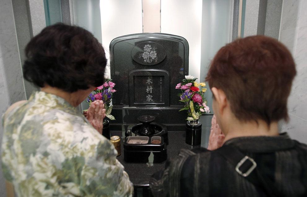 76 Новая мода в Японии: организация похорон при жизни