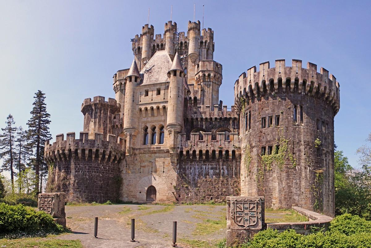 Картинки древних замков и дворцов