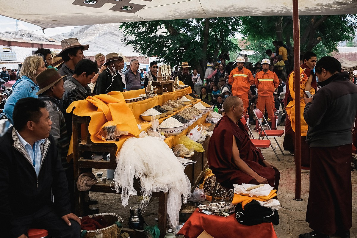 Gyandze24 В поисках волшебства: как празднуют день рождения Будды