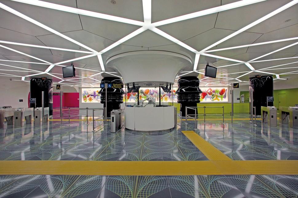 MetroStations07 17 самых волшебных станций метро со всего мира