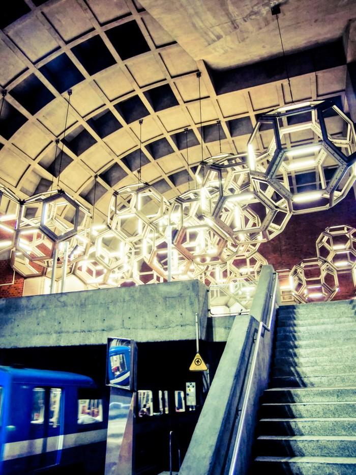 MetroStations45 17 самых волшебных станций метро со всего мира