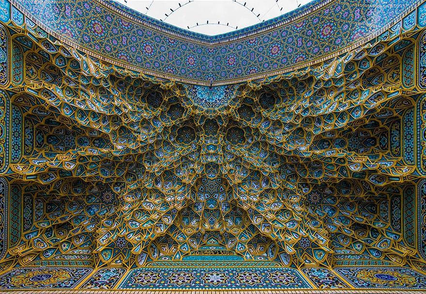 MosqueCeilings01 Чарующие и гипнотизирующие своды мечетей