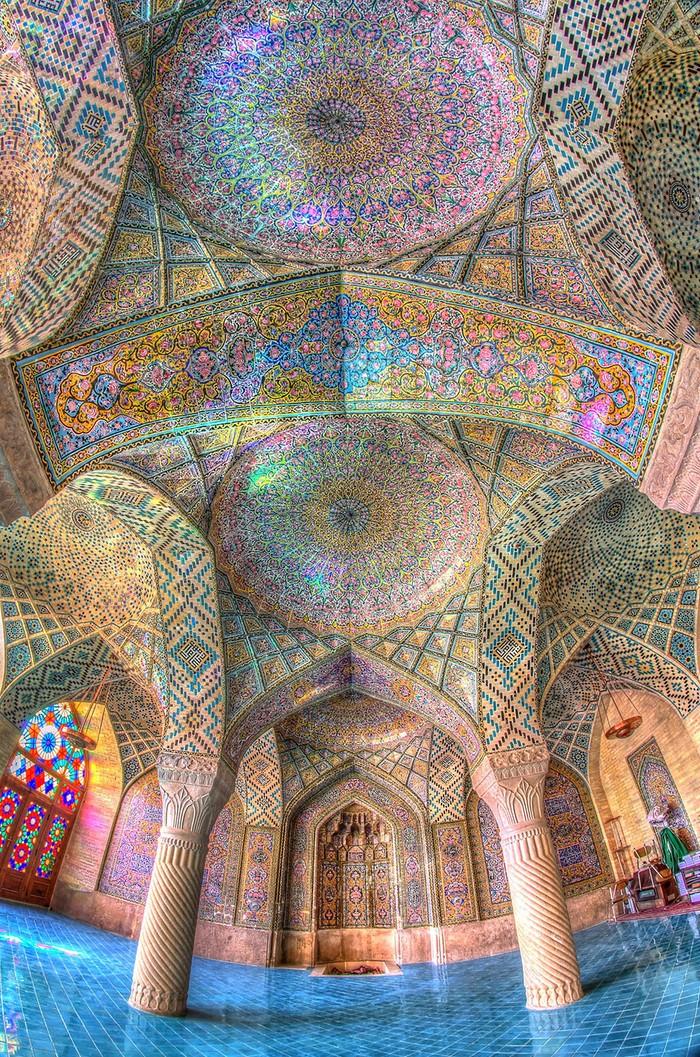 MosqueCeilings03 Чарующие и гипнотизирующие своды мечетей