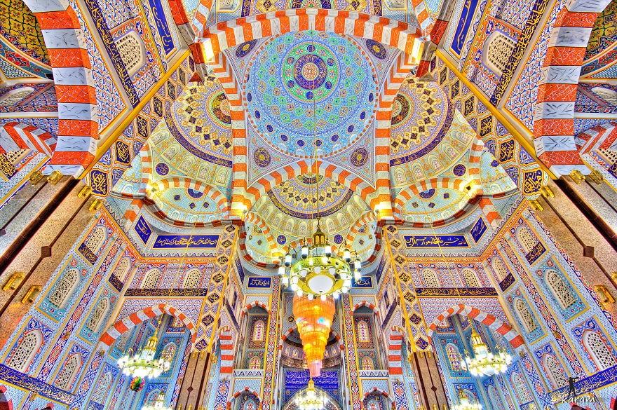 MosqueCeilings09 Чарующие и гипнотизирующие своды мечетей