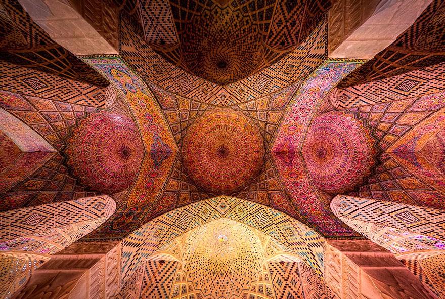 MosqueCeilings14 Чарующие и гипнотизирующие своды мечетей