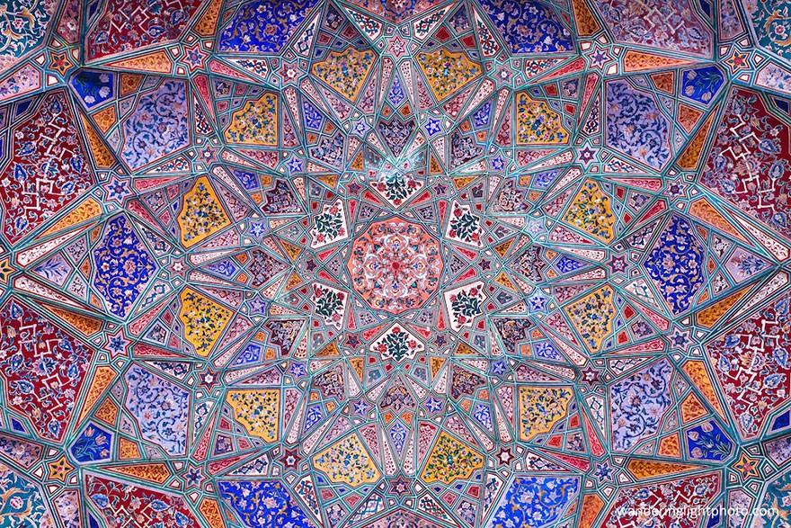 MosqueCeilings17 Чарующие и гипнотизирующие своды мечетей
