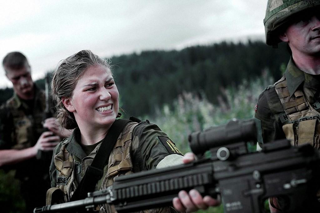 NOfarmy01 Прекрасная половина норвежской армии