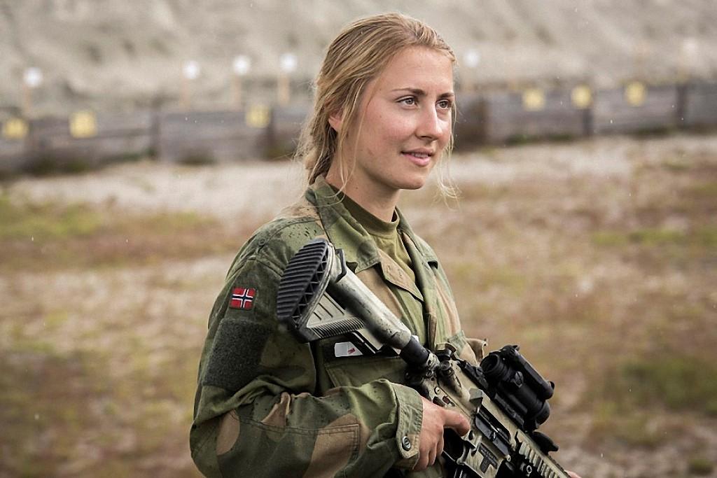 NOfarmy05 Прекрасная половина норвежской армии