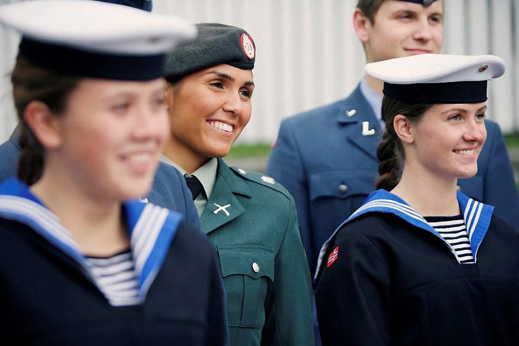 NOfarmy08 Прекрасная половина норвежской армии