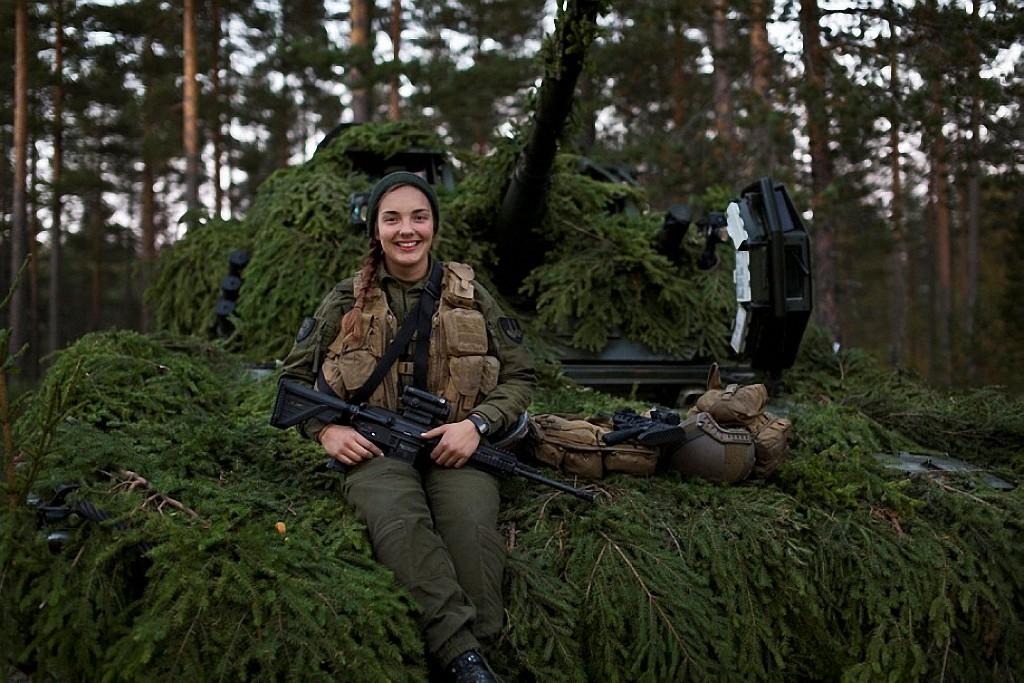 NOfarmy09 Прекрасная половина норвежской армии