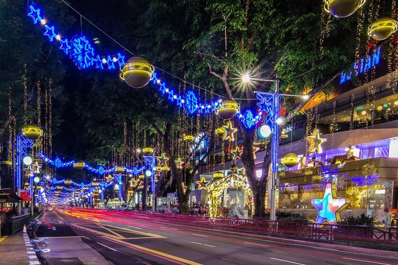 OchardRoad03 800x533 Ochard Road: Как выглядит самая известная улица Сингапура перед Рождеством и Новым годом