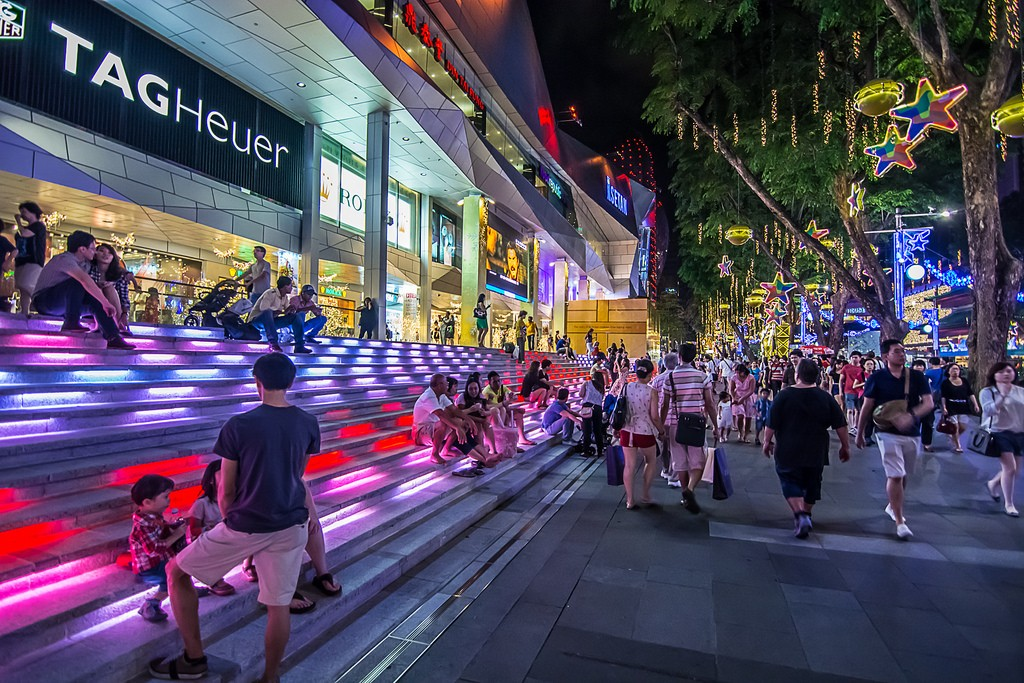 OchardRoad06 Ochard Road: Как выглядит самая известная улица Сингапура перед Рождеством и Новым годом