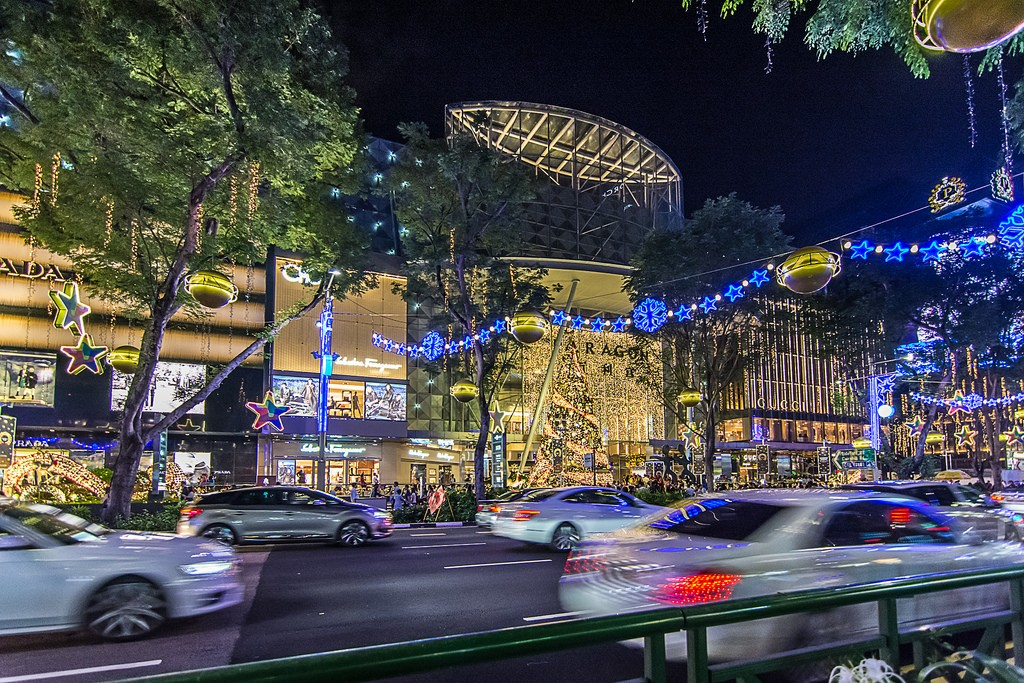 OchardRoad08 Ochard Road: Как выглядит самая известная улица Сингапура перед Рождеством и Новым годом