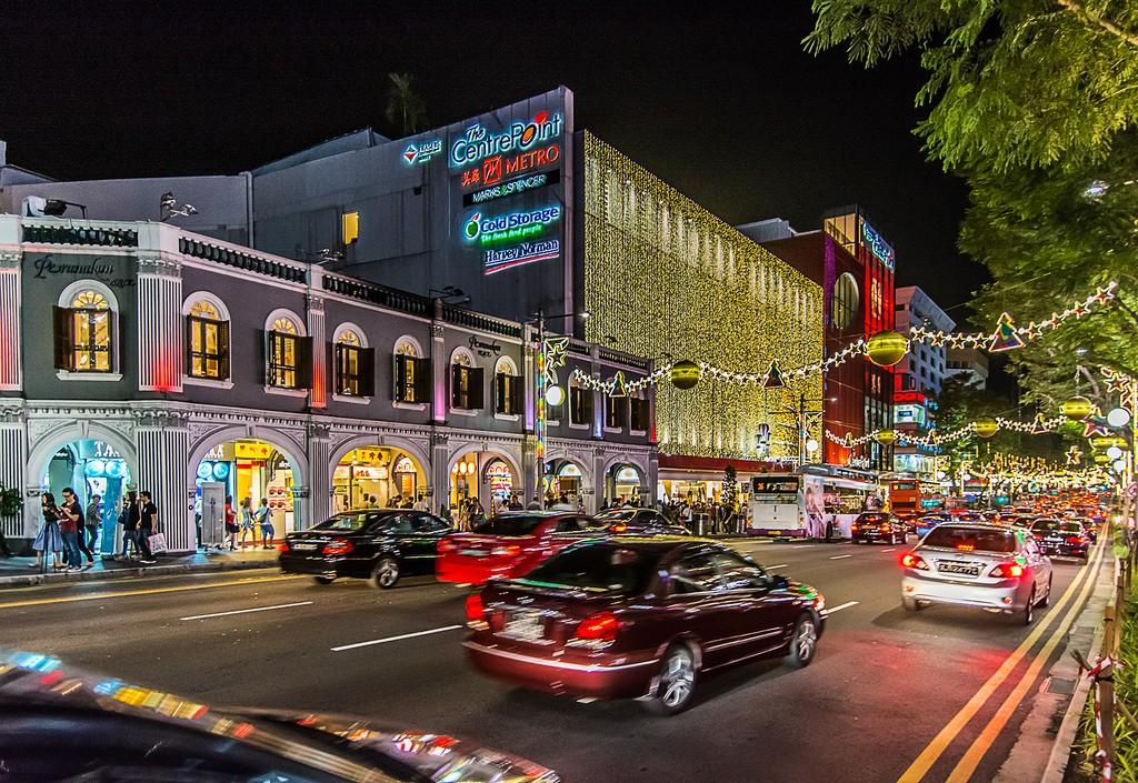 OchardRoad18 Ochard Road: Как выглядит самая известная улица Сингапура перед Рождеством и Новым годом