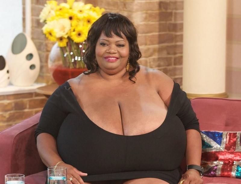 Самая огромная 3д грудь в мире