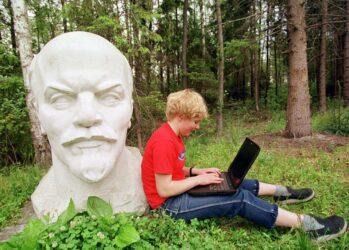 Памятники Владимиру Ленину по всему миру
