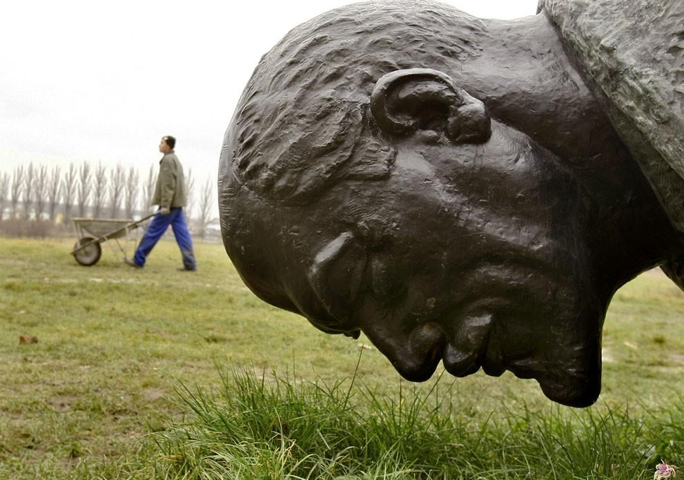 lenin34 Памятники Владимиру Ленину по всему миру