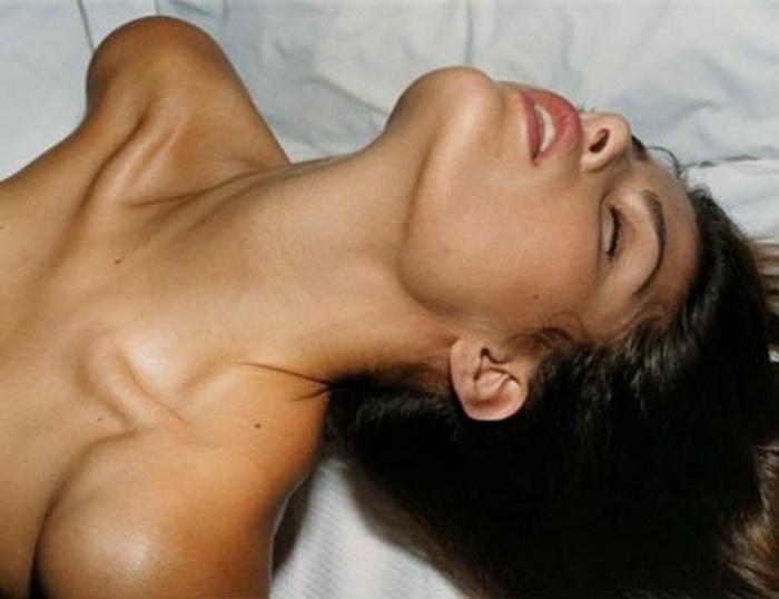 20. При просмотре порно мужчины уделяют особое внимание выражению лица женщины. Да-да, не попке, не ногам и даже не груди.