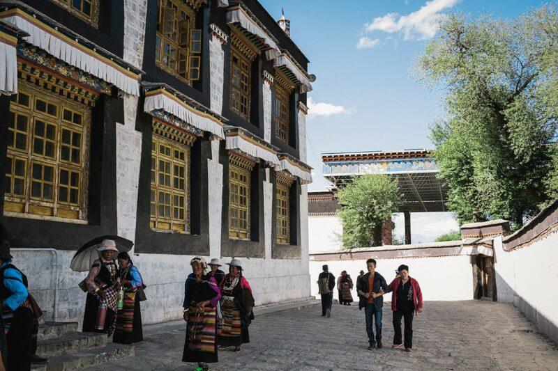 shigadze28 800x533 В поисках волшебства: Шигадзе, резиденция Панчен ламы и китайский рынок