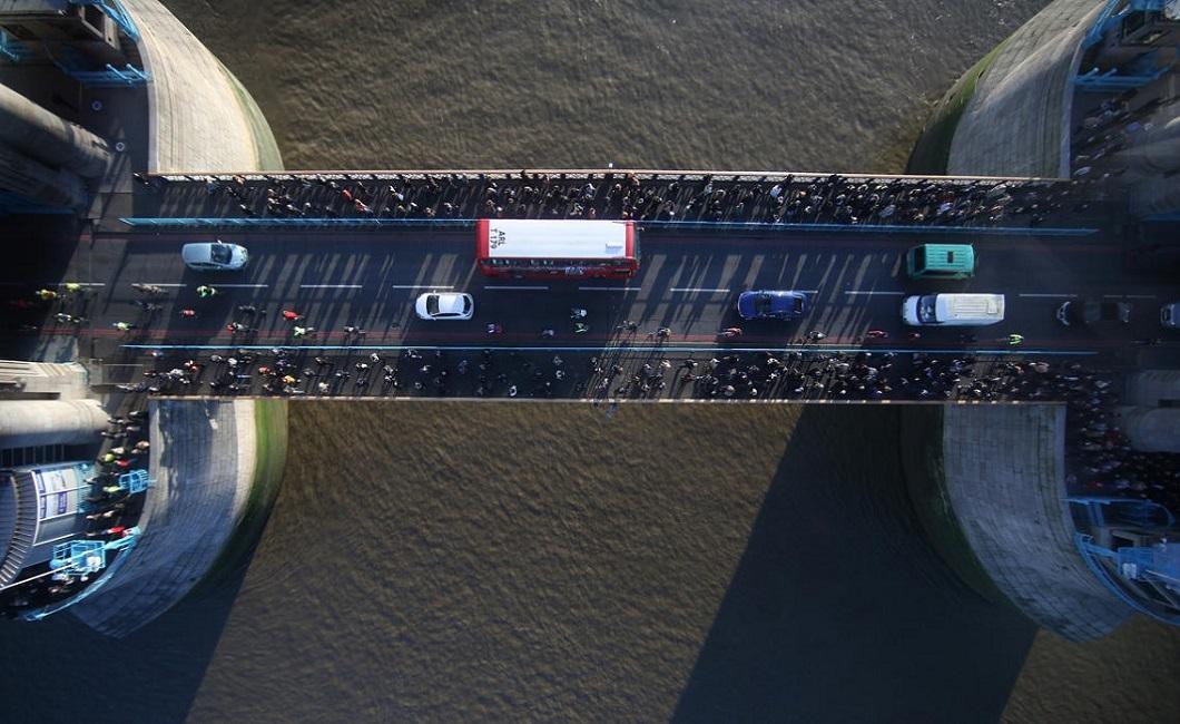 tauerskiy most 2 Потрясающий вид сквозь стеклянный пол Тауэрского моста в Лондоне
