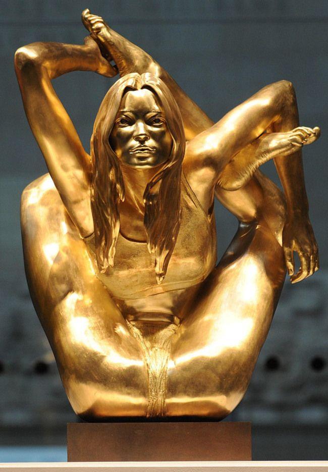 weirdstatues16 29 самых отвратительных и нелепых статуй со всего света