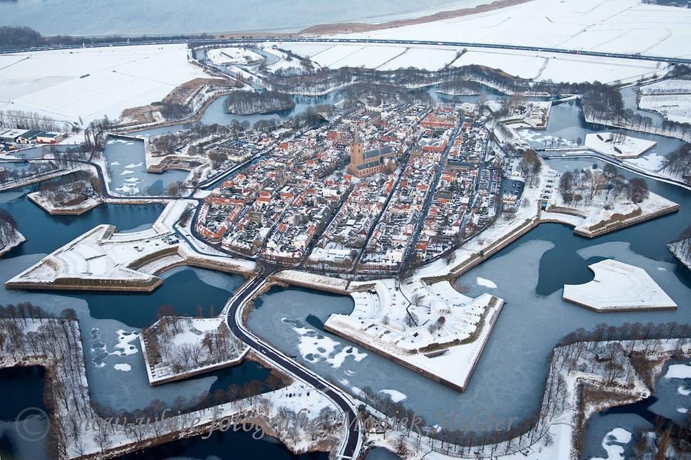 wintertowns06 30 самых живописных городов этой зимы