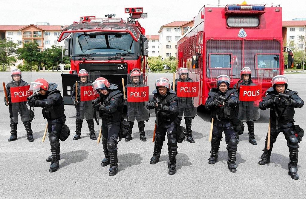 worldpolice01 Применение оружия полицией в разных странах