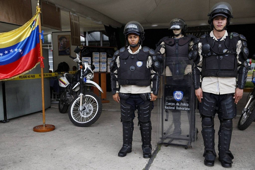 worldpolice04 Применение оружия полицией в разных странах