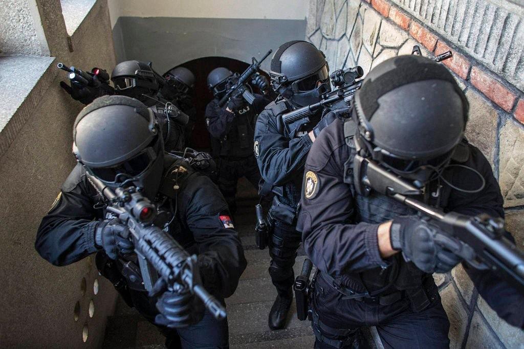 worldpolice06 Применение оружия полицией в разных странах