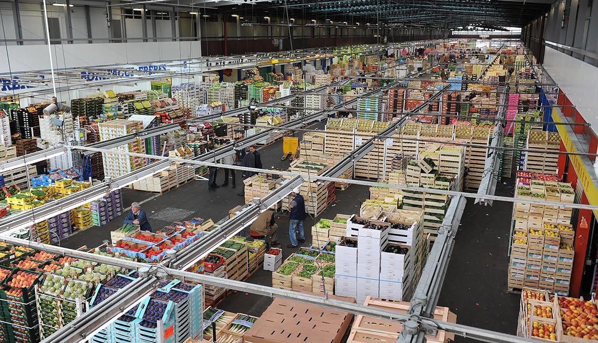 Гигантский рынок, где делают закупки лучшие шеф повара Франции