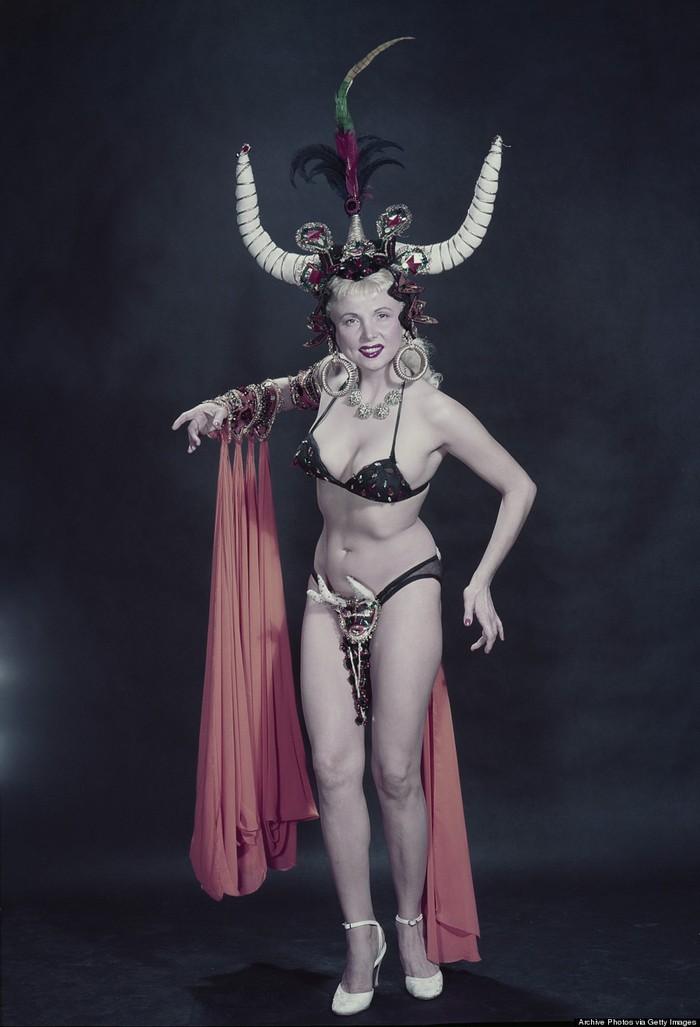 burlesque15 Краткая, но потрясающая история бурлеска в 1950 х годах