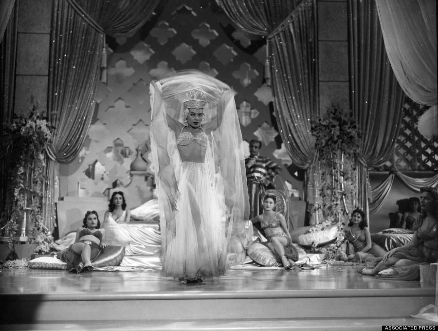 burlesque16 Краткая, но потрясающая история бурлеска в 1950 х годах