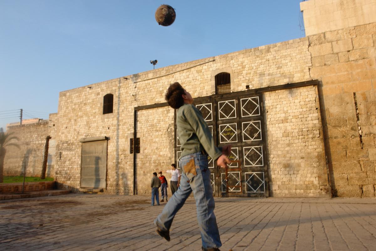 001 Мир теряет Алеппо