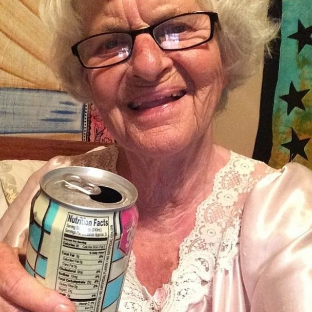 BaddieWinkle05 86 летняя крутая бабушка постит отвязные фото в Instagram