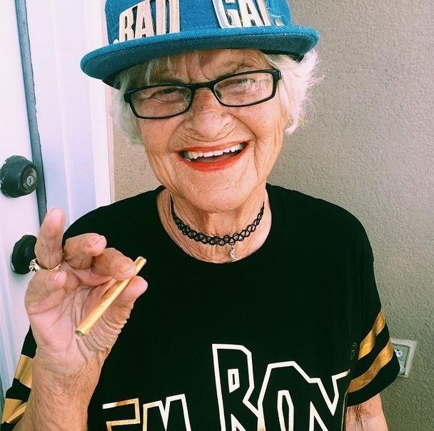 BaddieWinkle12 86 летняя «крутая» бабушка постит отвязные фото в Instagram