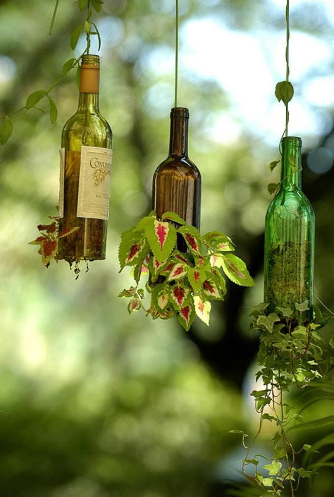 WineBottle05 22 способа превратить пустую бутылку в практичное произведение искусства