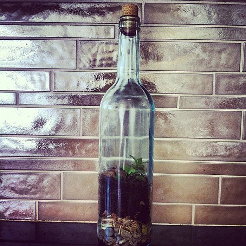WineBottle06 22 способа превратить пустую бутылку в практичное произведение искусства