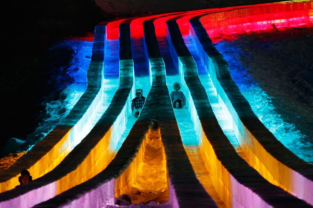 http://bigpicture.ru/wp-content/uploads/2015/01/festival-lda-i-snega-2015-v-harbine-17.jpg