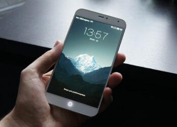 Оригинальный минималистичный дизайн. Meizu MX4 выглядит одновременно солидным и легким. Металлический каркас обеспечивает корпусу запас прочности, а ультратонкие рамки по бокам экрана делают смартфон каким-то футуристическим гаджетом из фантастического фильма.