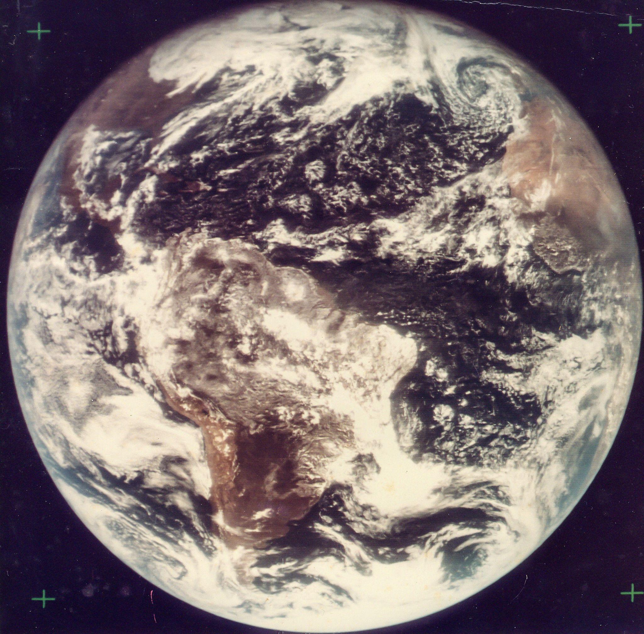 0913 Космический винтаж: старые снимки НАСА уйдут с молотка в Лондоне