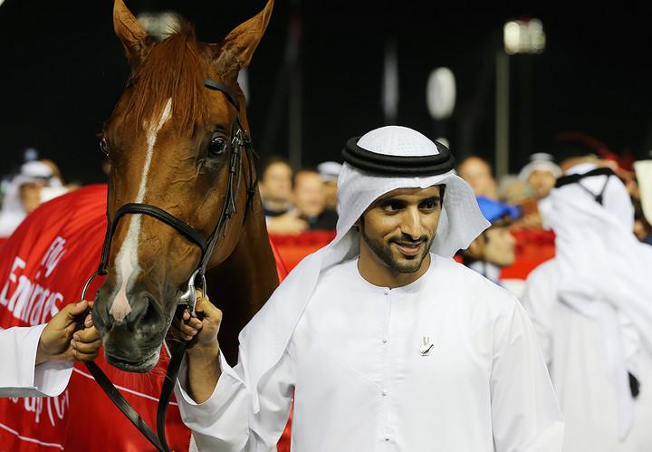 Принц — отличный наездник — конным спортом увлекается очень серьезно, имеет собственную конюшню и однажды выиграл Арабские Олимпийские игры благодаря своему мастерству держаться в седле.