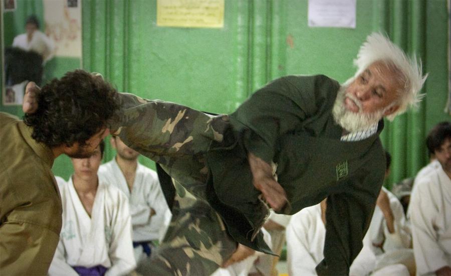 214 Самые суровые армейские тренировки со всего мира