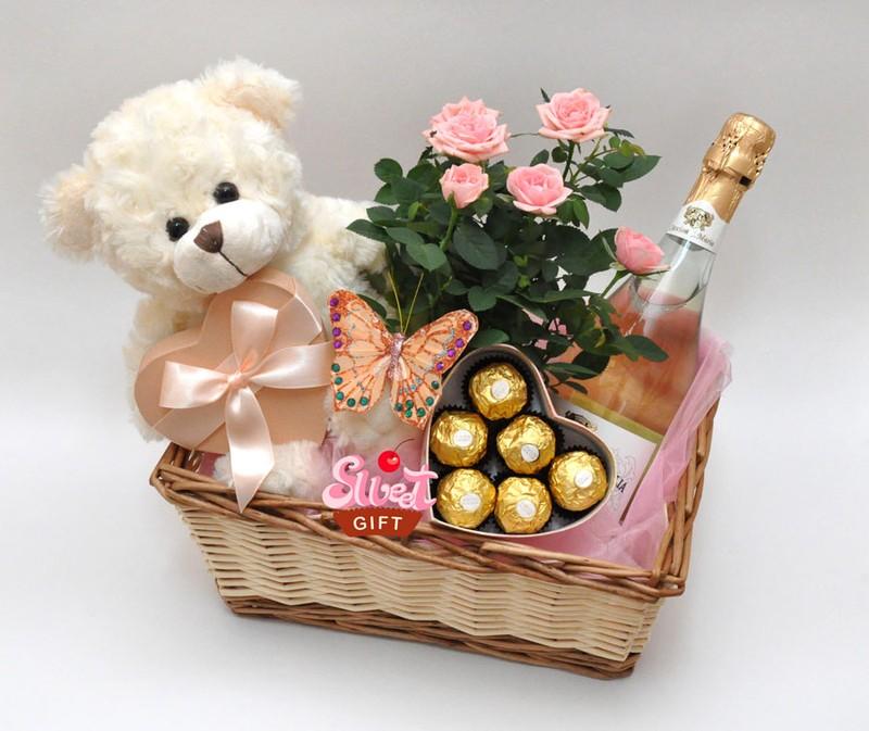 Где купить элитный подарок на 8 марта для директора тиффани в Павино,Волошке,Кировграде