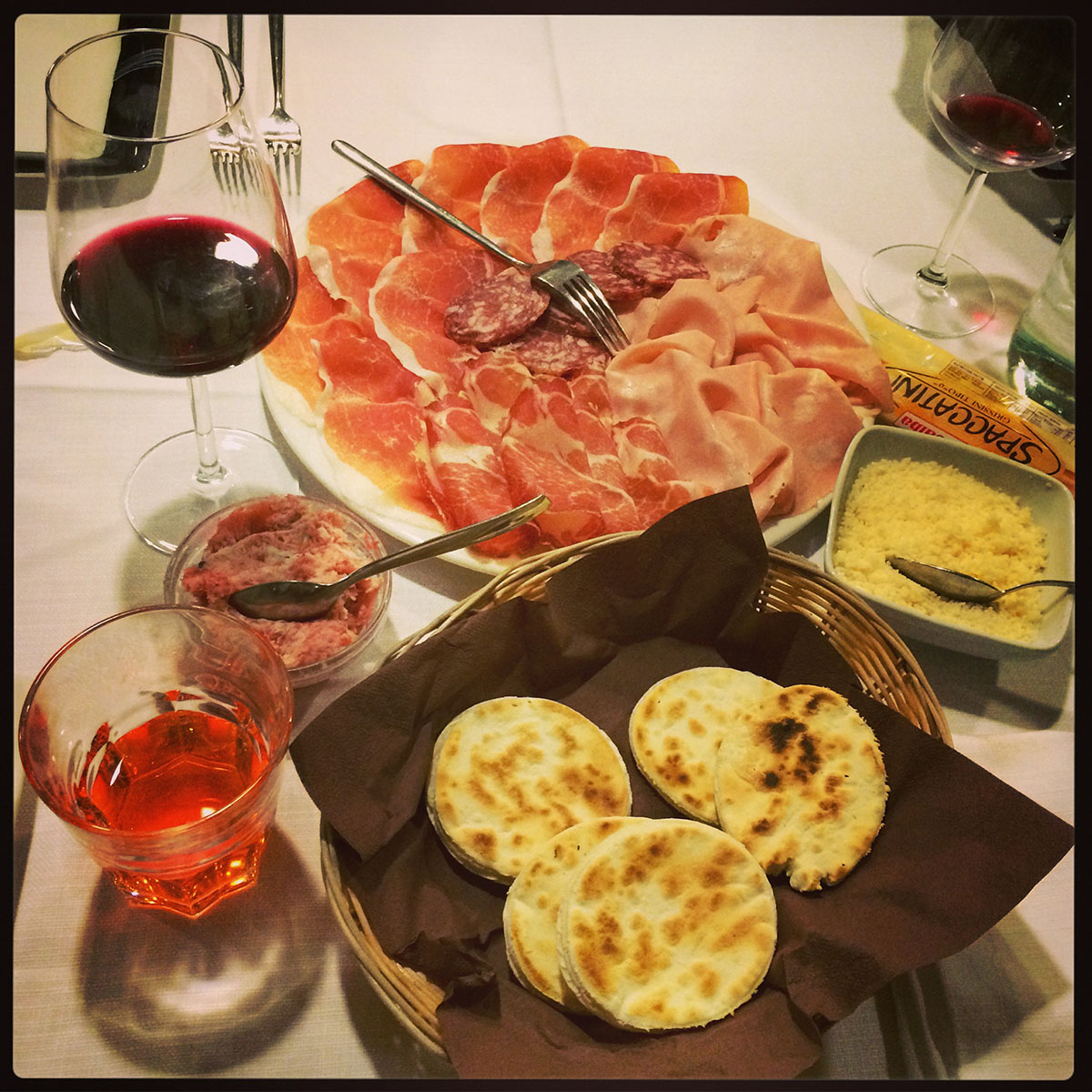 22IMG 5436 Эмилия Романья: вино, салями и автомобили