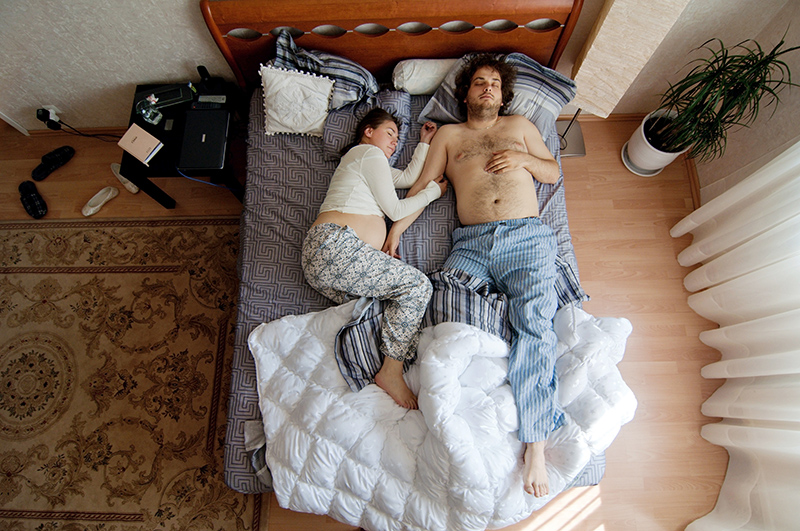Фото мужья фоткают спящих жён