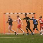 В темноте: как играют в футбол слепые