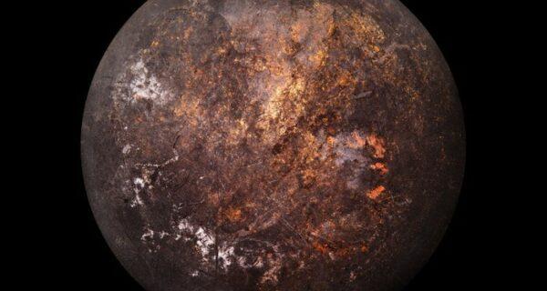 «Космические снимки» днищ старых кастрюль и сковородок от фотографа Кристофера Йонассена