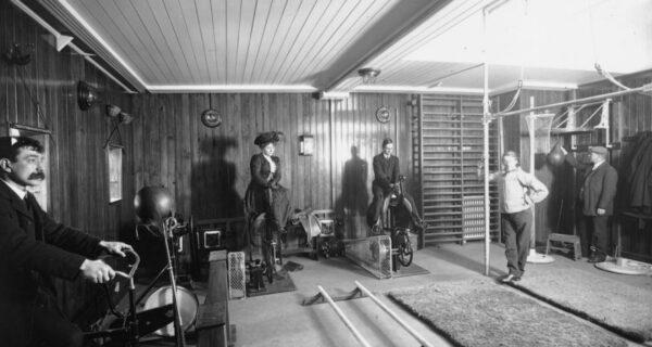 Верхом на электроконе: как тренировались пассажиры Титаника и прочих лайнеров